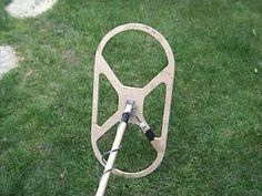 If you want to build a metal detector, we've got you covered. We've collected a list of the 19 best DIY metal detector plans from around the internet. Diy Electronics, Electronics Projects, Walk Through Metal Detector, Metal Detecting Tips, Metal Detector Reviews, Waterproof Metal Detector, Garrett Metal Detectors, Metal Shop Building, Whites Metal Detectors
