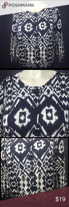 AUGUST SILK Cardigan Sweater Size M Black & White NWOT in Excellent Condition. 41% Viscose , 34% Silk , 25% Nylon. Made in China. August Silk Sweaters Cardigans