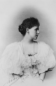 Marie, Princess Ferdinand of Roumania, 1895 [in Portraits of Royal Children Princess Alexandra, Princess Beatrice, Princess Victoria, Queen Victoria, Antique Photos, Vintage Photos, Maud Of Wales, Romanian Royal Family, Royal Blood