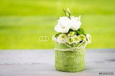 """Laden Sie das lizenzfreie Foto """"blumenstrauss mit lisianthus"""" von Picture-Factory zum günstigen Preis auf Fotolia.com herunter. Stöbern Sie in unserer Bilddatenbank und finden Sie schnell das perfekte Stockfoto für Ihr Marketing-Projekt!"""