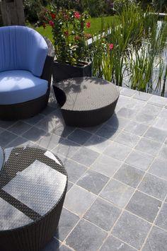 terrasse en pierre bleue du vietnam terrasses en pierre bleue en 2019 pinterest patio. Black Bedroom Furniture Sets. Home Design Ideas