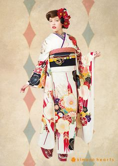 Giant arrow and plum blossom pattern Japanese Yukata, Japanese Costume, Japanese Outfits, Japanese Fashion, Asian Fashion, Japanese Style, Modern Kimono, Kimono Japan, Vogue Korea