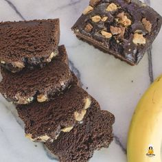 Juicy chocolate banana bread without sugar, wheat and fat B Saftiges Schoko Bananenbrot ohne Zucker, Weizen und Fett Banana Bread Without Sugar, Paleo Banana Bread, Chocolate Banana Bread, Banana Bread Recipes, Banana Nut, Chocolate Chocolate, Chocolate Desserts, Cake Vegan, Banana Pudding