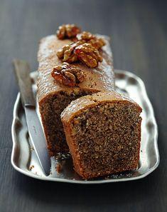Espresso and nut cake - Dessert - Coffee Recipes Pistachio Pound Cake Recipe, Almond Pound Cakes, Pound Cake Recipes, Köstliche Desserts, Delicious Desserts, Dessert Recipes, Yummy Food, Coffee And Walnut Cake, Cake Cafe