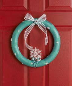 Holiday Wreath- love the simplicity. may be a good winter door wreath.
