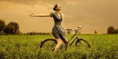 La alegría es uno de los sentimientos más profundos que elevan el estado de ánimo. La alegría puede producirse de una forma extraordinaria ante un heho inespera