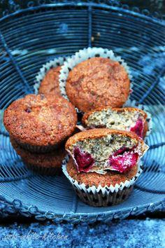 ASIA-WHITE-KITCHEN: Zimowe muffinki makowe z wiśniami