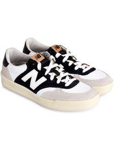 Model WRT300 sneakers