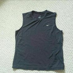 NIKE medium muscle tanks Muscle tank fitted Work out tank Size medium NIKE dry fit NIKE Tops Tank Tops