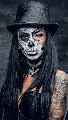 50 Ridiculously Pretty Makeup Looks To Try This Halloween - # Check more at tat. - 50 Ridiculously Pretty Makeup Looks To Try This Halloween – # Check more at - Costume Halloween, Creepy Halloween Makeup, Halloween 20, Scary Makeup, Halloween Looks, Voodoo Makeup, Dead Makeup, Ghost Makeup, Halloween Costumes Women Scary
