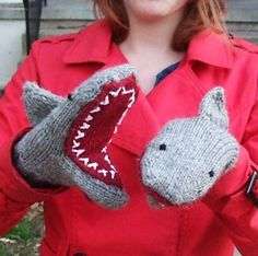 Ravelry: Deep Blue Sea: Shark Mittens pattern by Breeanna Sveum Knitting For Kids, Knitting Projects, Crochet Projects, Hand Knitting, Knitting Patterns, Crochet Patterns, Knitting Tutorials, Hat Patterns, Loom Knitting