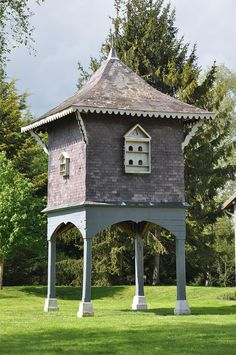 'A dovecote was built in the garden of the Darcy townhouse in Mayfair.' This pic - Medieval Dovecote at Colombier du chateau de Villers-en-Argonne, France Play Houses, Bird Houses, Pigeon House, Belle France, Duck House, Hen House, Birdhouse Designs, Shed Building Plans, Shed Kits