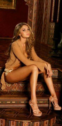 ( CELEBRITY WOMAN 2016 ★ GIGI HADID ) ★ Jelena Noura Hadid - Sunday, April 23, 1995 - 5' 10'' 34-25-35 - Los Angeles, California, USA.