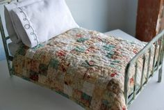 gorgeous doll bed quilt!