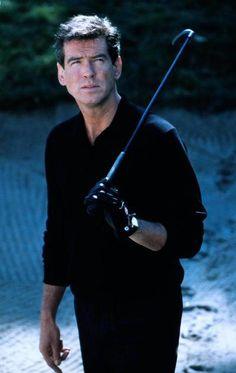 Mi amor platonico ever ♥♥♥ Pierce Brosnan in Thomas Crown Affair Pierce Brosnan, I Movie, Movie Stars, Famous Golfers, Thomas Crown Affair, Most Handsome Men, Golf Fashion, Play Golf, Moda Masculina