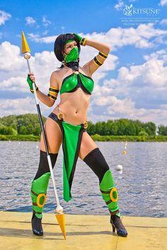 Jade Mortal Kombat Cosplay http://geekxgirls.com/article.php?ID=2146