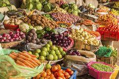 ¿Puedes aumentar de peso con una dieta de frutas y verduras?. Una dieta de frutas y verduras no siempre se centra exclusivamente en esos dos grupos de alimentos, aunque se utilizan como la mayor parte de lo que comes todos los días. Si bien hay un montón de ventajas a la hora de comer muchas frutas ...