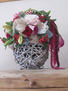 workshop bij juste une fleur te tremelo Christmas Wreaths, Workshop, Holiday Decor, Home Decor, Seeds, Atelier, Decoration Home, Room Decor, Work Shop Garage