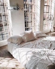 all white bright room//pinterest: juliabarefoot