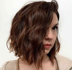 Shoulder Length Layered Hair, Shoulder Length Hair, Shoulder Cut, Big Barrel Curls, Layered Curls, Short Layered Haircuts, Bob Hairstyles, Modern Hairstyles, Hair Lengths