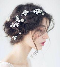 Beautiful bride hair style - Page 39 of 39 - zzzzllee Aya Sophia, Trending Hairstyles, Aesthetic Girl, Bride Hairstyles, Ulzzang Girl, Beautiful Bride, Bridal Hair, Ukraine, Curly Hair Styles
