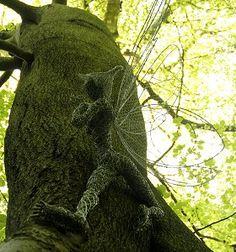 "Fantasy Wire Fairies Sculptures ""Tree Hugger"""