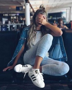 Trendy how to wear adidas superstar casual style 51 Ideas Sporty Outfits, Summer Outfits, Cute Outfits, Moda Outfits, Mode Lookbook, Shotting Photo, Foto Casual, Vogue, Inspiration Mode