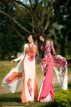 vietnam fashion vietnamese fashion models  -- ao dai is Vietnamese artform!  So beautiful!  Willowy, freedom, gorgeous.  Can't think of anything less than wonderful!  JG http://www.vicplanet.com