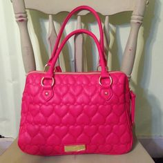 Large Quilted Handbag Larger size. Pink. Little use. Other payment methods accepted. Only shipping through here. Betsey Johnson Bags
