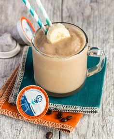 Packed with protein and full of coffee flavor, this Easy Coffee Smoothie Recipe makes breakfast a snap. ~ http://www.garnishwithlemon.com