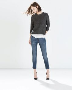 Every girl needs a pair of super tight jeans // Zara Fitted Cropped Jeans in Blue