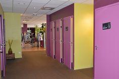 Vestiaires et douches individuels de la salle de fitness Sybé Sport #Brest http://www.sybe-sport.com