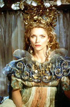 Michelle Pfeiffer as & Queen of the Fairies& - 1999 - William Shakespeare& & Midsummer Night& Dream& - Costume Design by Gabriella Pescucci - Director: Michael Hoffman - Mlle Michelle Pfeiffer, Theatre Costumes, Movie Costumes, Fairy Costumes, Ballet Costumes, Eva Green, Steam Punk, Fairy Queen, Midsummer Nights Dream