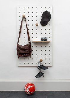 Large Pegboard that comes with accessories: 6 pegs, 2 small shelves and 2 large shelves. Create your own design for the kitchen, work space or kids bedroom. Entryway Wall, Hallway Storage, Hanging Storage, Jar Storage, Storage Ideas, Large Pegboard, Metal Pegboard, Large Shelves, Wall Mounted Shelves