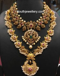 Antique Necklace latest jewelry designs - Page 32 of 332 - Indian Jewellery Designs Indian Wedding Jewelry, Bridal Jewelry, Collier Antique, Mango Necklace, Gold Necklace, Indian Necklace, Silver Earrings, Long Pearl Necklaces, Diamond Necklaces