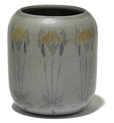 A Marblehead Pottery grey glazed earthenware vase with iris decoration designed by Arthur Irwin Hennesey, decorated by Sarah Tutt. Sold for US$ 1,000 (AU$ 1,295) inc. premium.