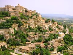 Gordes, Lubéron region, Vaucluse. The Provence at its best. One of the most beautiful villages in France and home to many artists and celebrities.