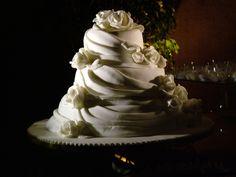 Quale torta nuziale scegliere?  Ecco i nostri cosigli per scegliere la #torta adatta allo stile, al tema e ai colori del #matrimonio