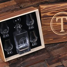 This sets comes with 1 whiskey decanter, 4 sniffers and 1 wood box. 100% glass stopper. It is the best choice for anyone who needs great groomsmen gift, best man gift, graduation gift, 21st birthday g