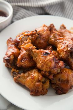 Crockpot Root Beer Chicken Wings recipe from Family Fresh Meals Root Beer Chicken, Easy Bbq Chicken, Chicken Wing Recipes, Chicken Wings, Slow Cooker Recipes, Cooking Recipes, Cooking 101, Meat Recipes, Crockpot Recipes