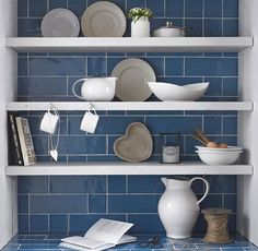 Kitchen wall tiles in blue