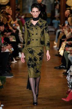 Erdem Fall 2019 Ready-to-Wear Collection - Vogue Vogue Fashion, Fashion Week, Runway Fashion, Womens Fashion, Fashion Trends, London Fashion, Creation Couture, Looks Chic, Vogue Russia