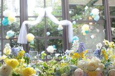 アンカシェット様にお届けした装花です。たくさんのウェディング小物は花嫁様の手作り。せっせと花の写真を撮っていたら写真撮影がはじまって花嫁さん好きの自分は思...