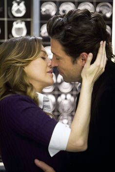 Meredith et Derek sont toujours amoureux Greys Anatomy Derek, Greys Anatomy Frases, Greys Anatomy Cast, Grey Anatomy Quotes, George Clooney, Greys Anatomy Characters, Greys Anatomy Couples, Derek Shepherd, Meredith Et Derek