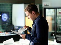 "The Agents of S.H.I.E.L.D. Cast Breaks Down the ""Shocking and Heartbreaking"" Season 2 Premiere  Fitz, Iain De Caestecker, MARVEL'S AGENTS OF S.H.I.E.L.D."
