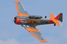 One of the South African Harvards is based in Czech republic too. South African Air Force, Aircraft Photos, Modern History, Aeroplanes, Air Show, Helicopters, Harvard, Color Themes, Czech Republic