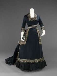 Mourning dress, 1872-74 US, the Met Museum