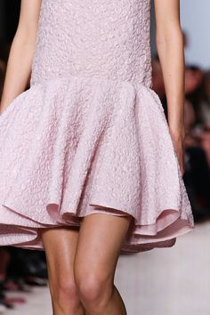 Giambattista Valli Fall 2014 RTW - Details - Fashion Week - Runway, Fashion Shows and Collections - Vogue