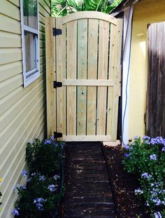 Weekend Projects: 5 Ways to DIY a Fence Gate - DIY Fence Gate – Tall Wooden Garden Gate Source by cathasimons -