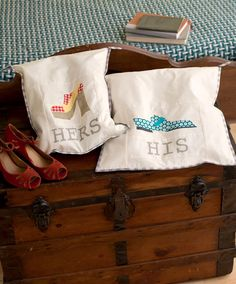 These paper-pieced shoe bags will keep you traveling in style! Check out this small quilting project and more by Penny Layman in her book The Paper-Pieced Home.